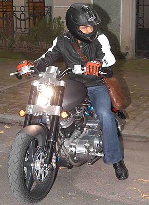Jaime Camil Moto
