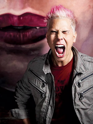 Christian CHavez gritando