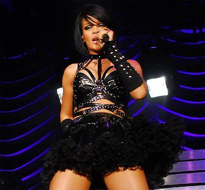 Rihanna durante su presentación en Berlin