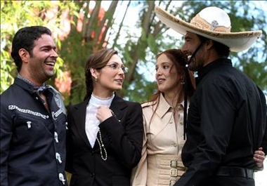 "elenco de la telenovela ""Fuego en la Sangre"""