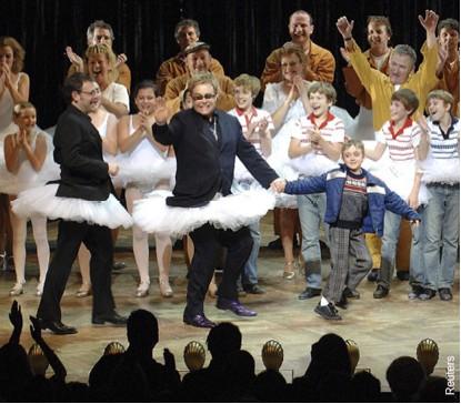 Elton John con un tutu de ballet
