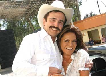 Mara Patricia y Vicente Fernández Jr.