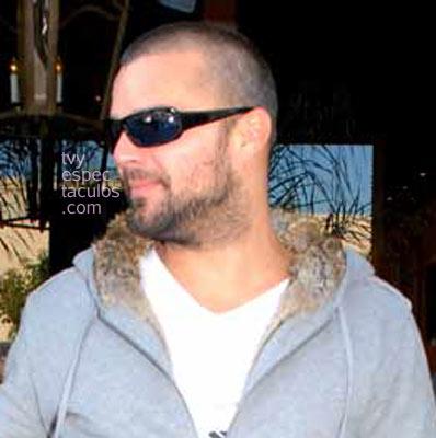 Ricky Martin rapado pelon new look
