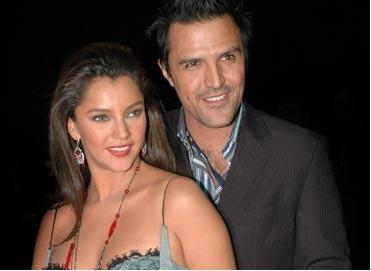 Sara Maldonado y Billy Rovzar se casaran de rock Stars