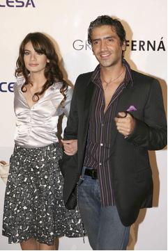 Alejandro Fernández sigue con Ayari Anaya