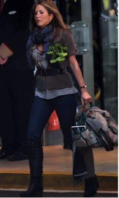 Jennifer Aniston The Traveling shoot