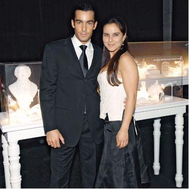 Kate del Castillo y Aaron Diaz