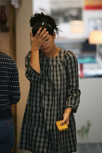 Lily Allen de compras después de perder a su bebé
