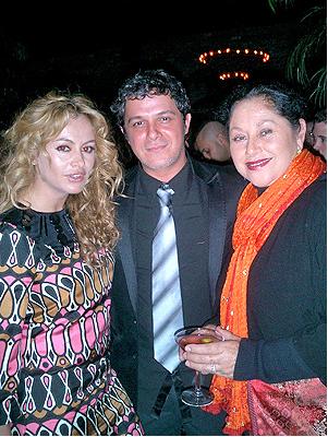 Paulina Rubio, Alejandro Sanz y Angélica Aragón captados juntos