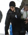 Brad Pitt y Angelina Jolie y sus hijos en Montaña Mammoth