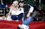 Christina Aguilera en la revista HOLA con su hijo Max