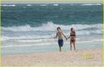 Drew Barrymore en Bikini en playa de Mexico