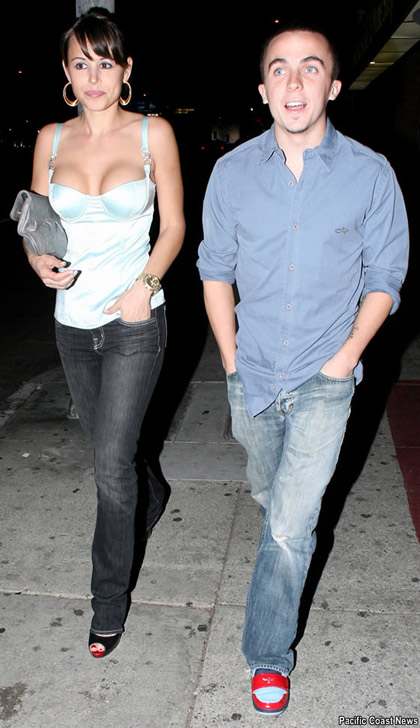 Frankie Muniz con nueva chica