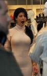 Kim Kardashian con una curvas increíbles en robertoson