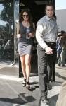 Lindsay Lohan con un poco de pancita pero en sexy vestido