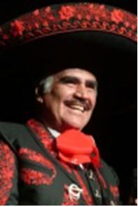 Vicente Fernández con  traje de charro