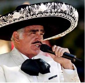 Vicente Fernández molesto por la declaraciones de Merle Uribe