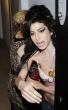 Amy Winehouse brasier bra