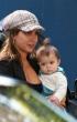 Salma Hayek compras con su hija Valentina Paloma lentes