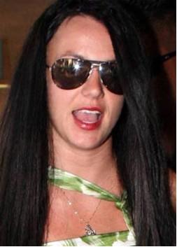brit-cabello-negro.jpg