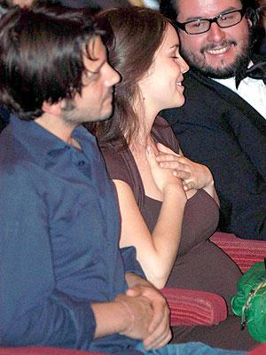 Diego Luna y Camila Sodi embarazada