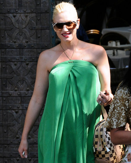 Gwen Stefani embarazada de compras