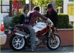 Jared Leto captado en su nueva motocicleta