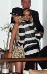 Lindsay Lohan captada muy cariñosa con su amiga