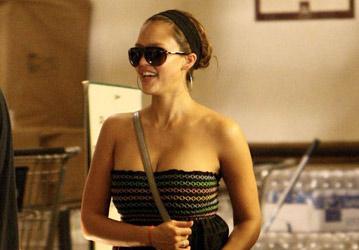 Jessica Alba en su primer salida después de dar a luz