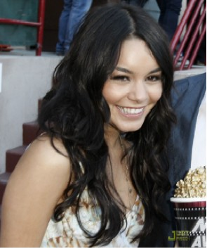 vanessa-en-mtv-movio-jusjared.jpg
