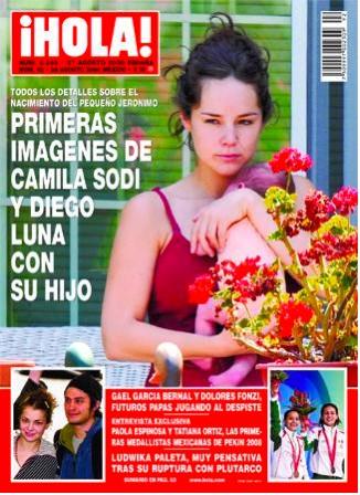 Camila Sodi en la portada de HOLA