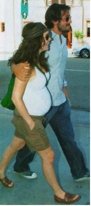Camila Sodi embarazada con Diego Luna