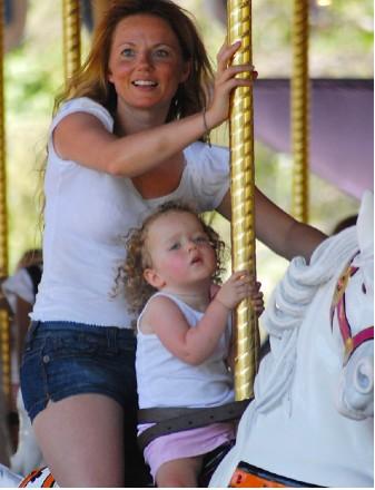 Gey en Disney con su hija