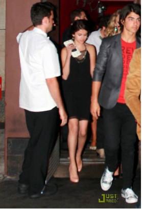 Jonas Brothers y Selena Gomez