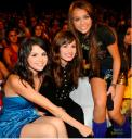 Miley Cyrus y Selena Gomez en Teen Choice awards