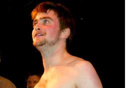 Daniel Radcliffe sin camisa