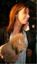 Ashlee Tisdale con su perrito