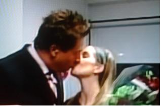 Daniel Bisogno le pide a Andrea Escalona que sea su novia en vivo