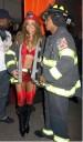 Mariah Carey de bombero para halloween