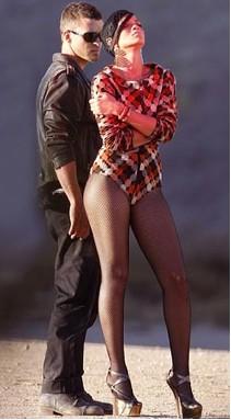 Rihanna con Justin Timberlake grabando Rehab