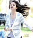 Selena Gomez Corriendo