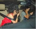 Ashlee Tisdale y Vanessa Hudgens se cubren de fotografos