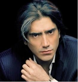 Alejandro Fernandez pide 1 minuto de aplausos para Mouriño en su concierto