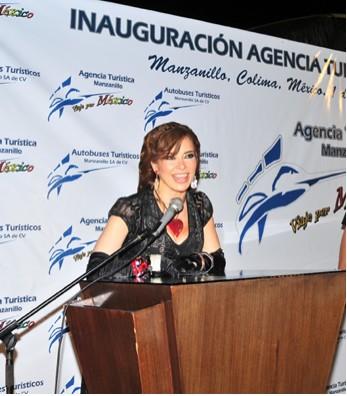 Gloria Trevi en inauguración de Agencia Turística en Colima