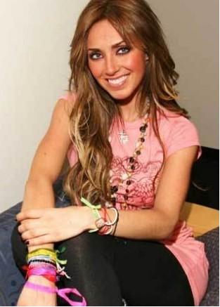 Fans de RBD en Venezuela aclaran video de habitación de Anahí
