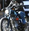Brat Pitt en motocicleta