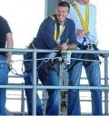 David Beckham salta del bungee