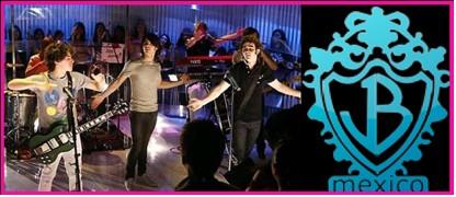 Fans mexicanas de Jonas Brothers componen canción para recibirlos