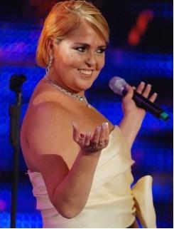 Lupita D´alessio sigue hospitalizada