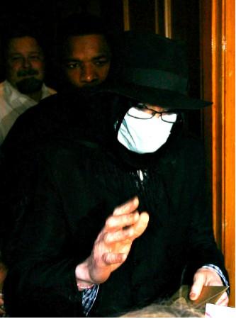 Michael Jackson sigue atendiendo a sus fans